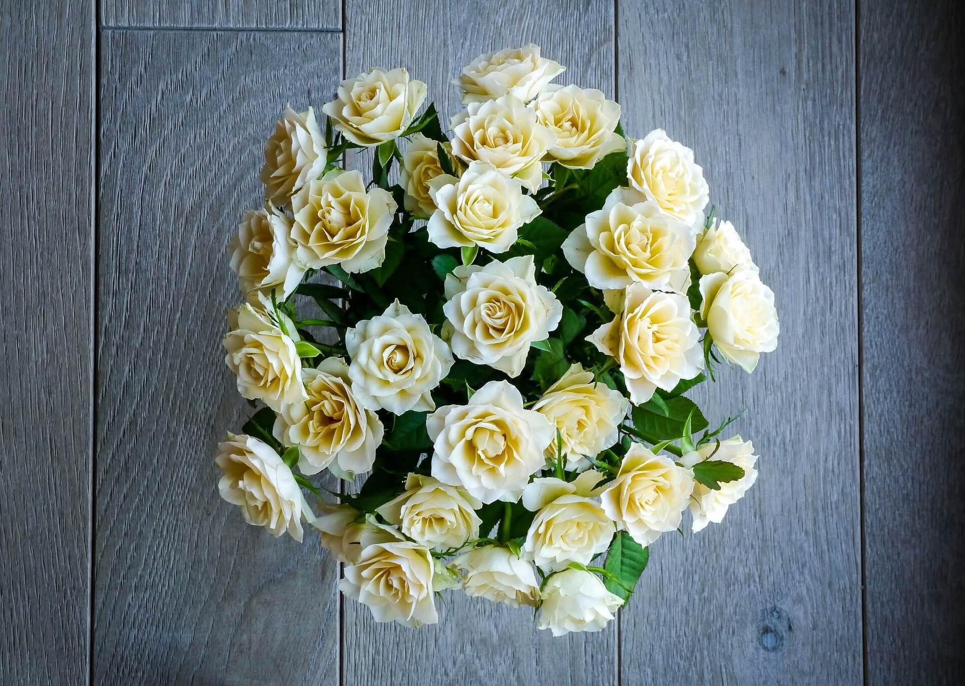 ¿Como mandar ramos de flores a Espino de la Orbada?
